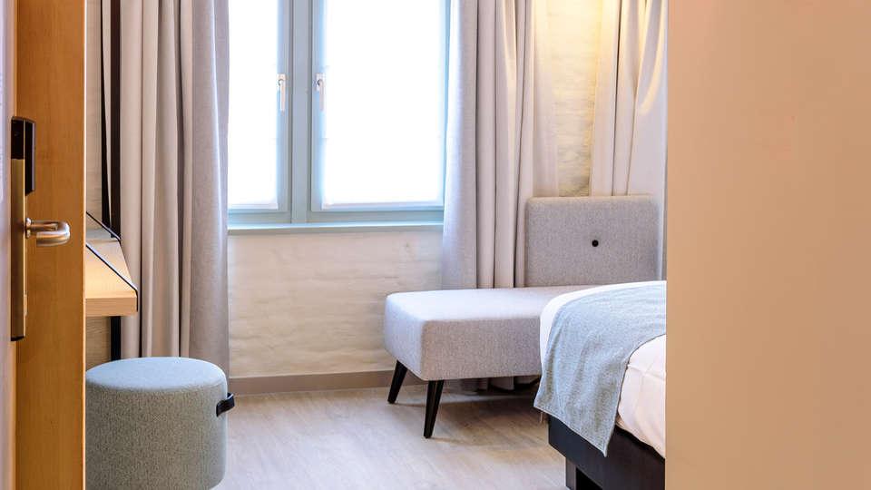Martin's Brugge - edit_new_room_entrance.jpg