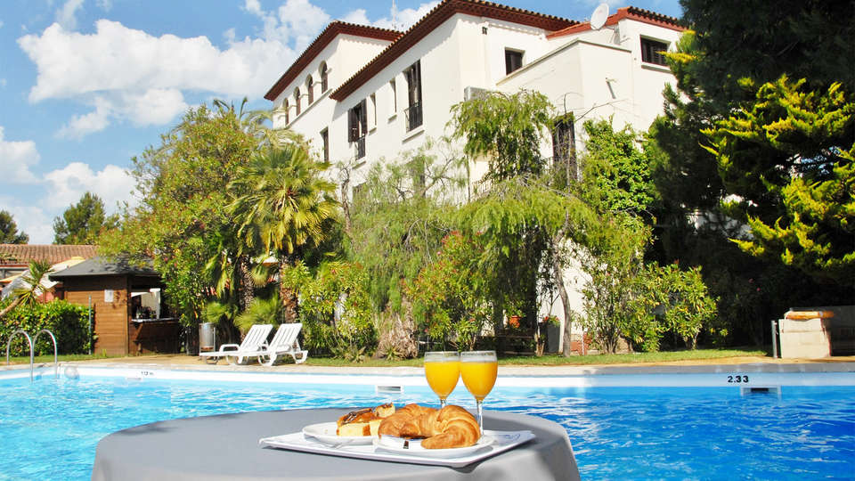 Hotel el Castell de Sant Boi - EDIT_pool3.jpg