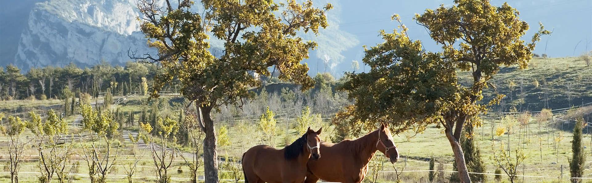 Aventure en famille dans un hôtel rural avec balade à cheval (pour les enfants seulement)