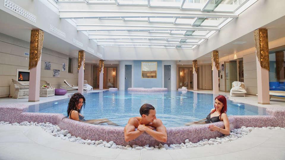 Grand Hotel Salsomaggiore - edit_pool3.jpg