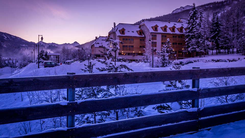 Le Grand Aigle Hôtel et Spa - EDIT_front1.jpg