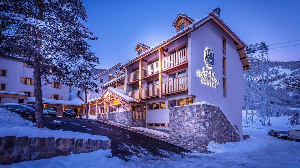 Le Grand Aigle Hôtel et Spa - EDIT_front2.jpg