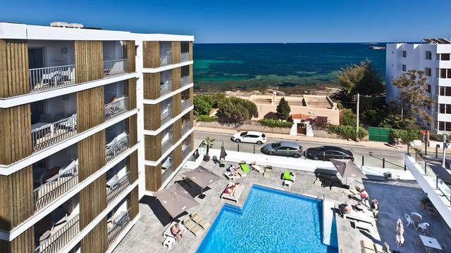 Escapada en apartamento en primera linea de mar en playa de Figueretas, Ibiza