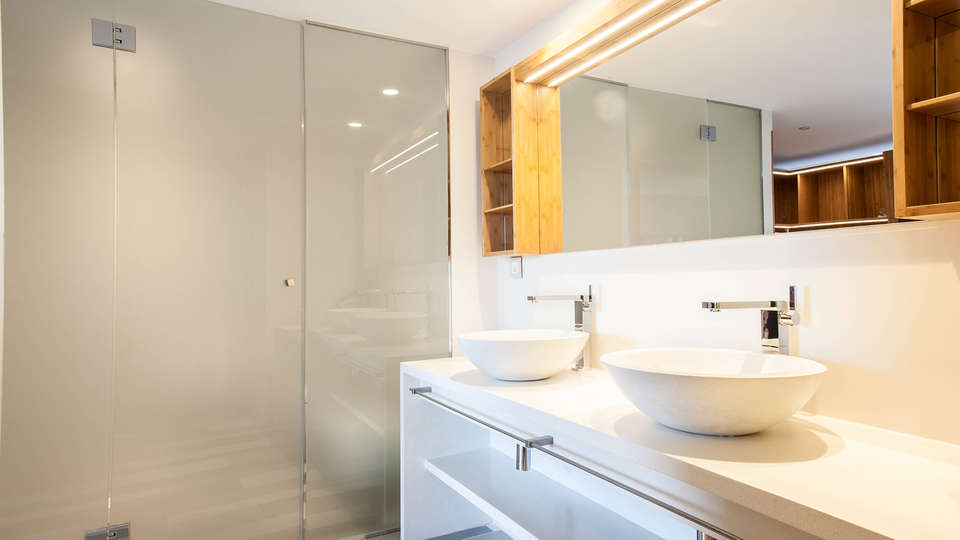 OD Barcelona - Edit_Bathroom5.jpg