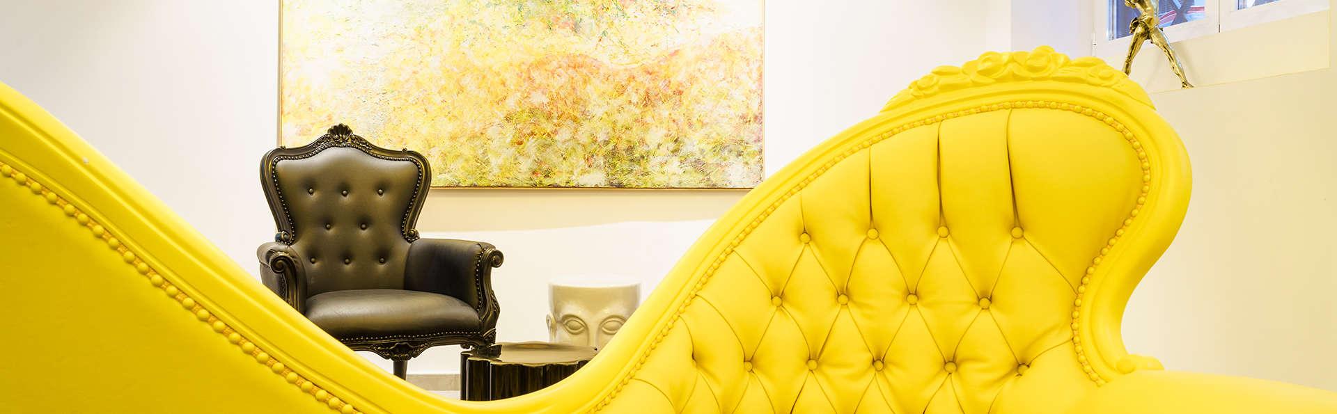Alójate al lado de Gran vía: hotel boutique con desayuno y categoría superior de habitación
