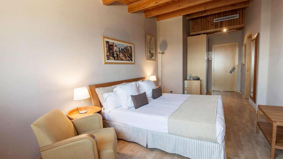 Hotel Estela Barcelona - EDIT_room9.jpg