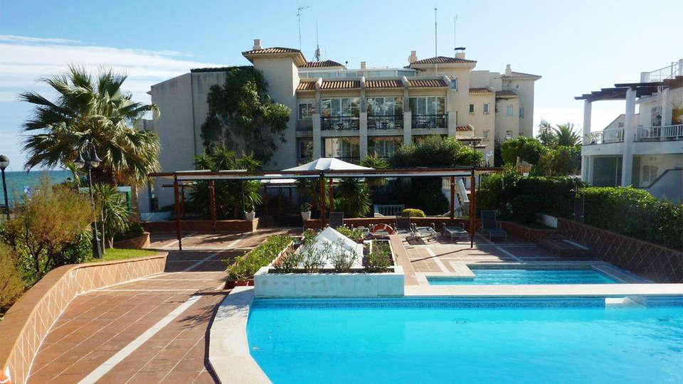 Hotel Estela Barcelona - EDIT_pool1.jpg