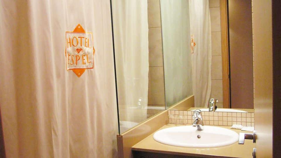 Hotel Espel - EDIT_bath1.jpg