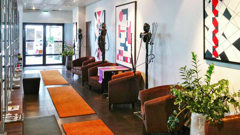 Hotel de Loire Restaurant les Bateliers - EDIT_reception1.jpg