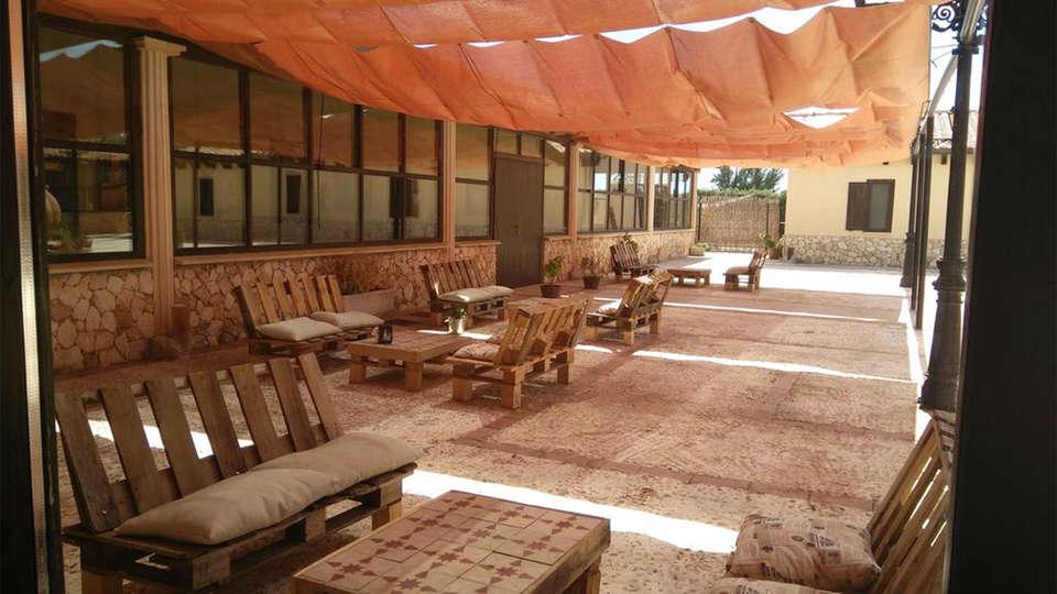 Hotel Enoturismo Mainetes - EDIT_terrace.jpg