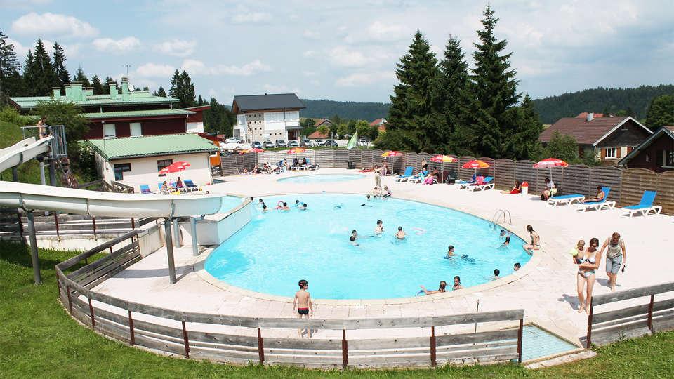 Les Chalets de Trémontagne - EDIT_pool3.jpg