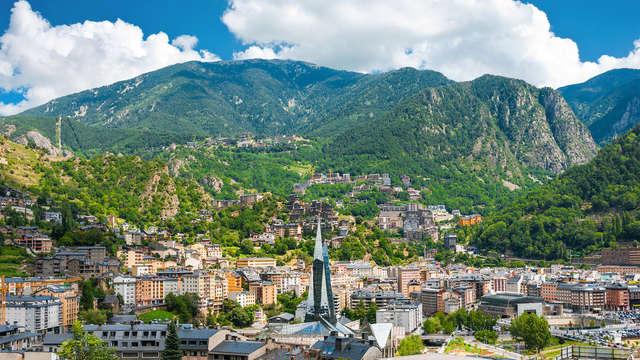 Escapada económica en Andorra en el centro de Escaldes