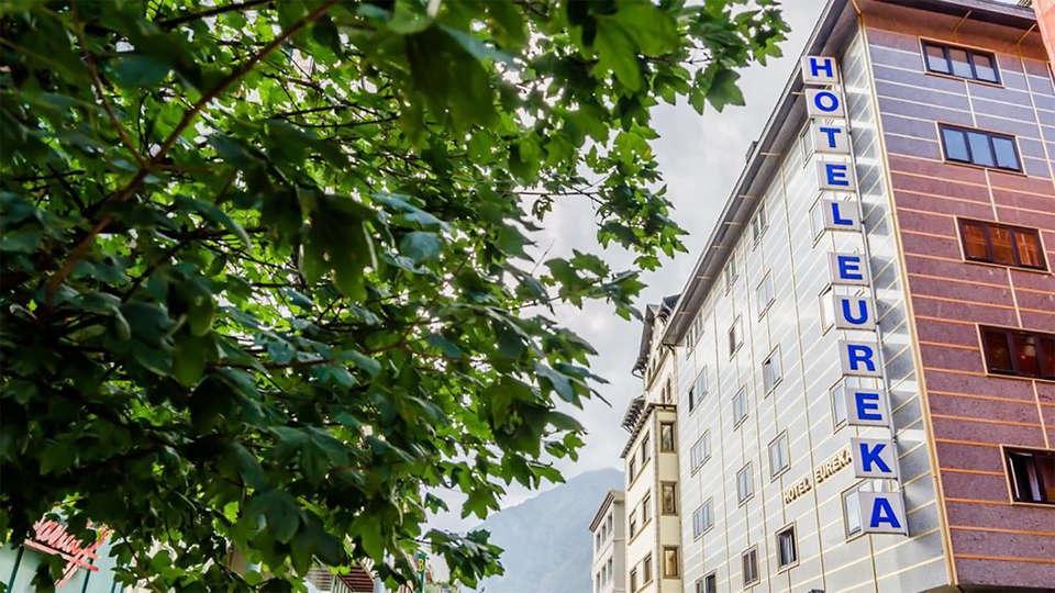 Hotel Eureka - EDIT_front1.jpg