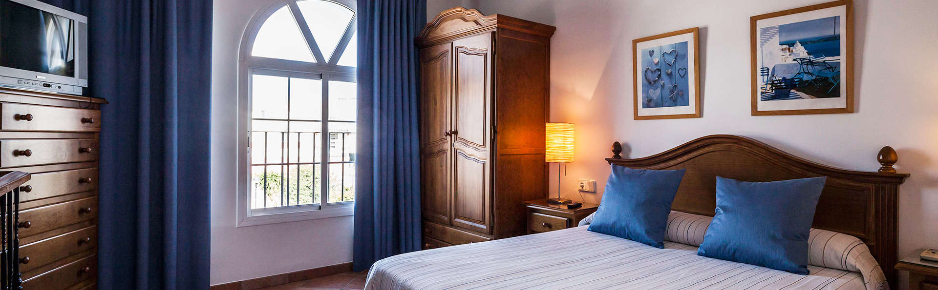 Hotel El Molino de Osuna - EDIT_room1.jpg