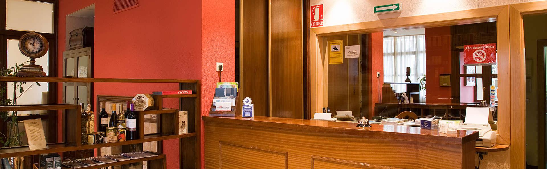 Hotel Ekai - EDIT_reception1.jpg