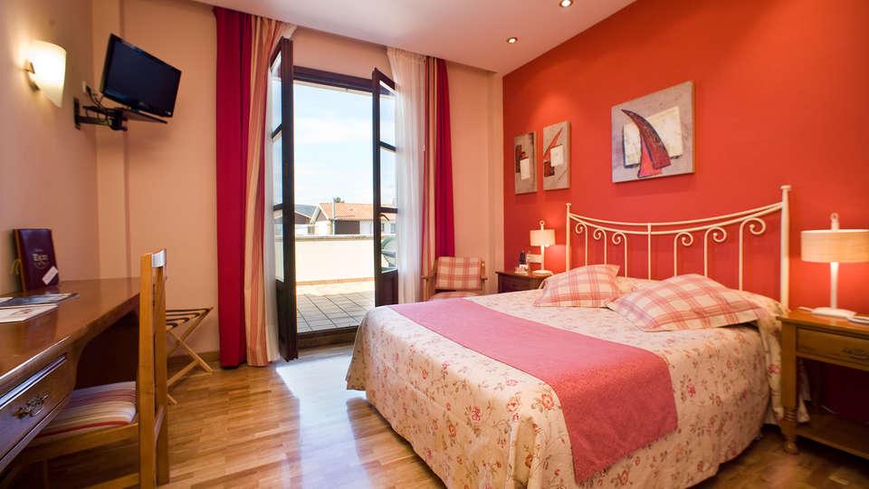 Hotel Ekai - EDIT_room1.jpg