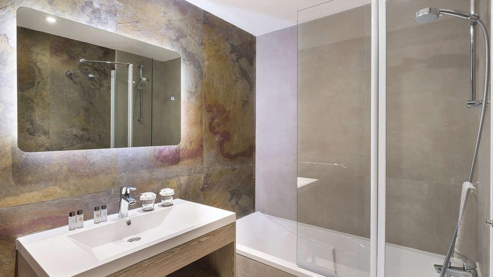 Hotel Birdy by HappyCulture - edit_bathroom.jpg