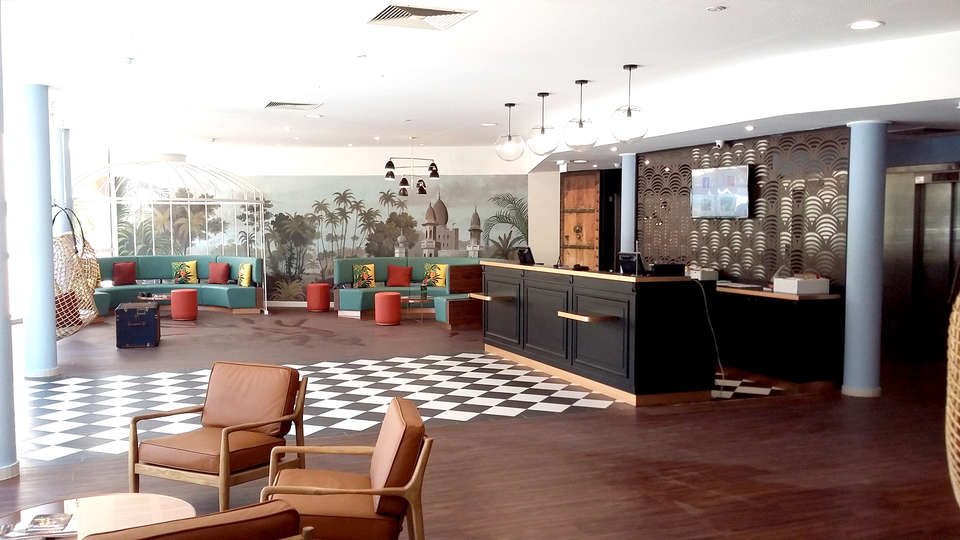Hotel Birdy by HappyCulture - Edit_Reception2.jpg