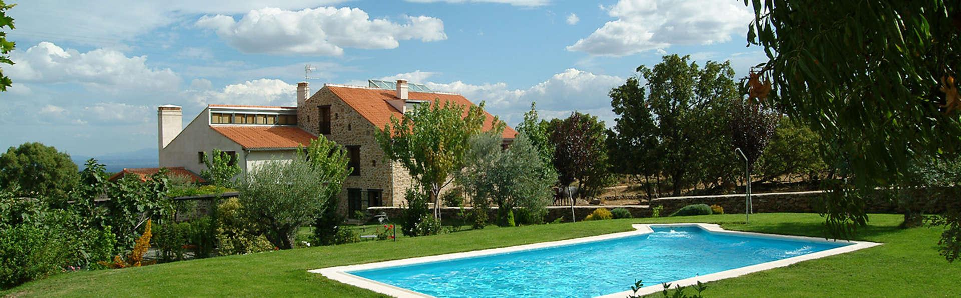 Hotel El Turcal - EDIT_pool.jpg