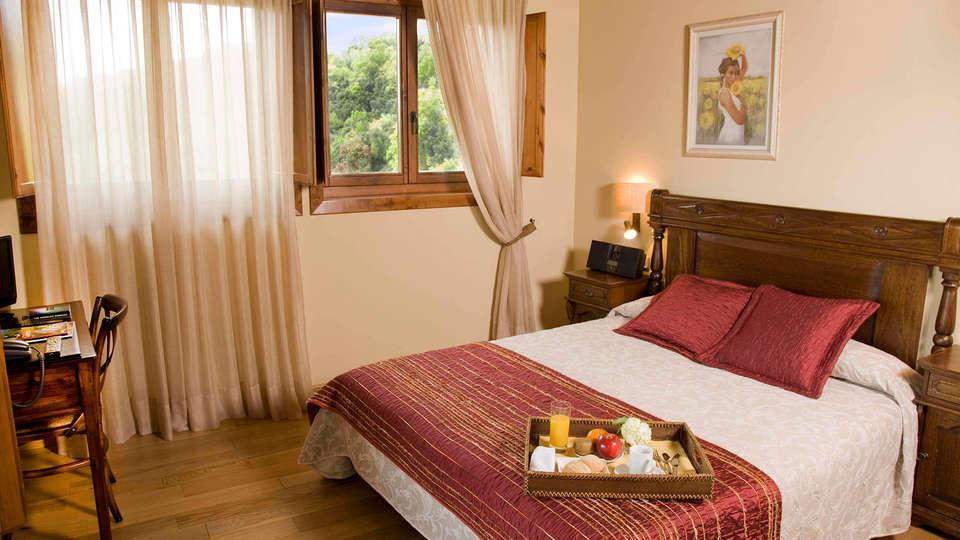 Hotel El Ventós - EDIT_room2.jpg