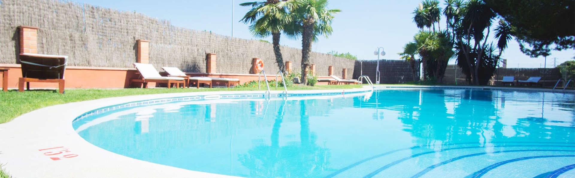 Hotel Felix - EDIT_pool5.jpg