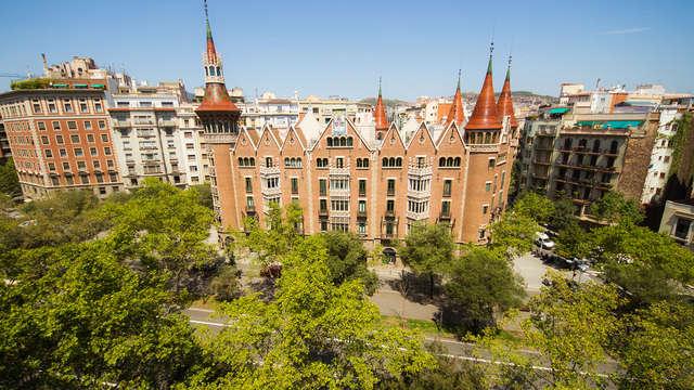Disfruta de la cultura de Barcelona visitando la casa de les Punxes