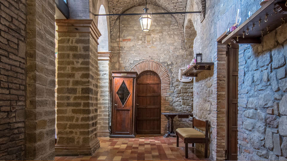 Hotel Villa Montegranelli - edit_hall.jpg