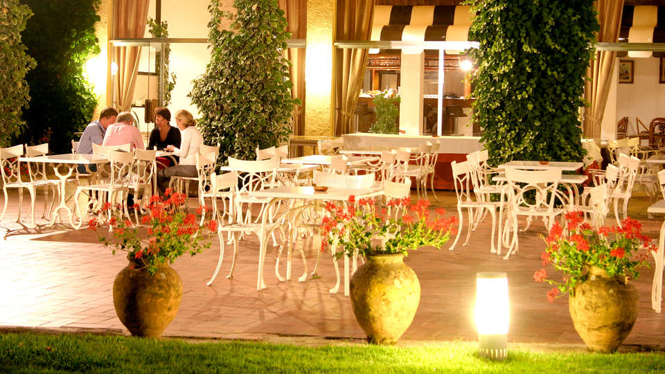 Hotel Golf Costa Brava - Edit_Terrace.jpg