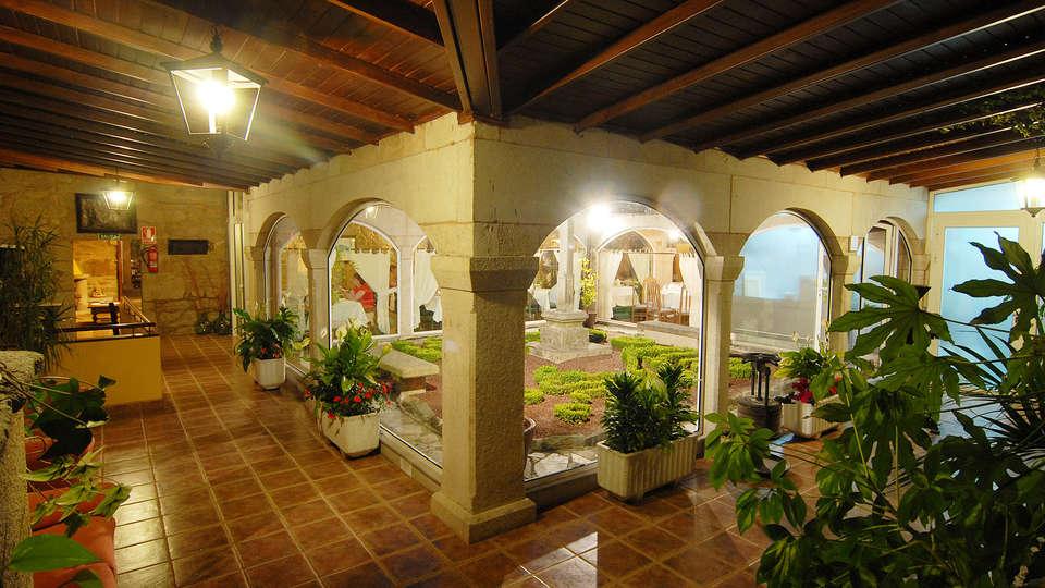Hotel Gastronómico Casa Rosalía - EDIT_interior.jpg