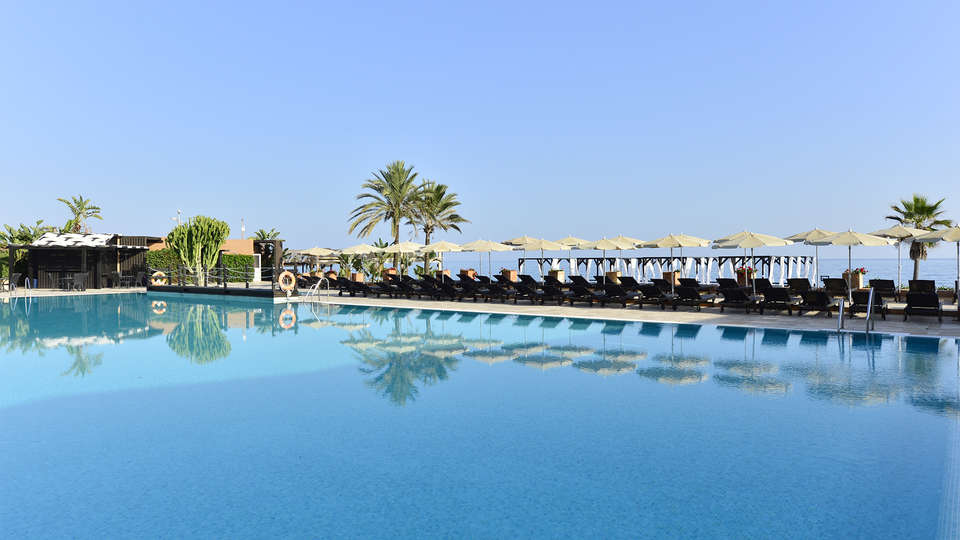 Hotel Guadalmina Spa & Golf Resort - EDIT_pool2.jpg
