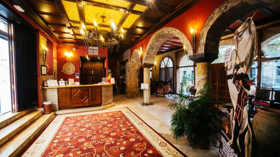 Hotel Hacienda Posada de Vallina - EDIT_reception2.jpg