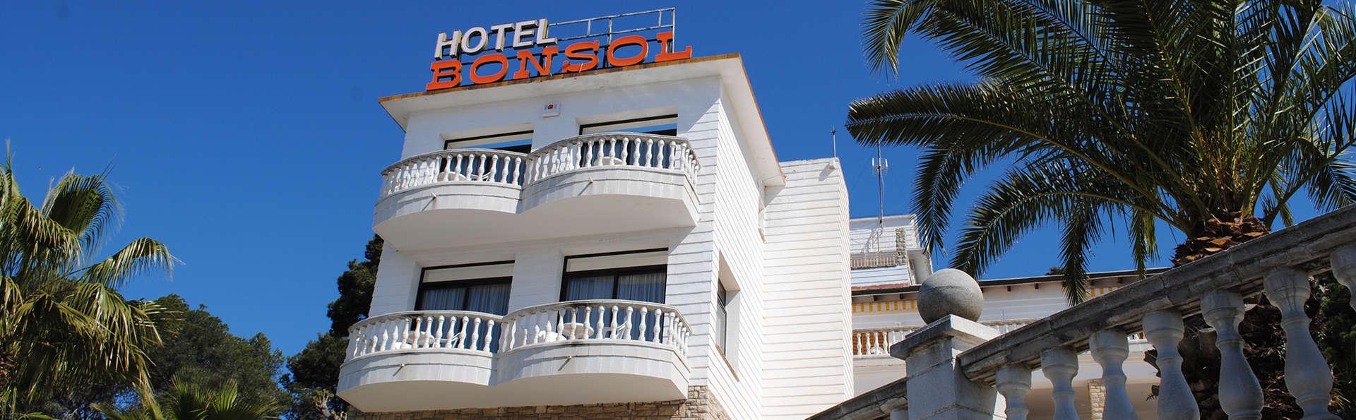 Séjour sous le soleil de Lloret de Mar avec cocktail de bienvenue et chambre avec petite terrasse
