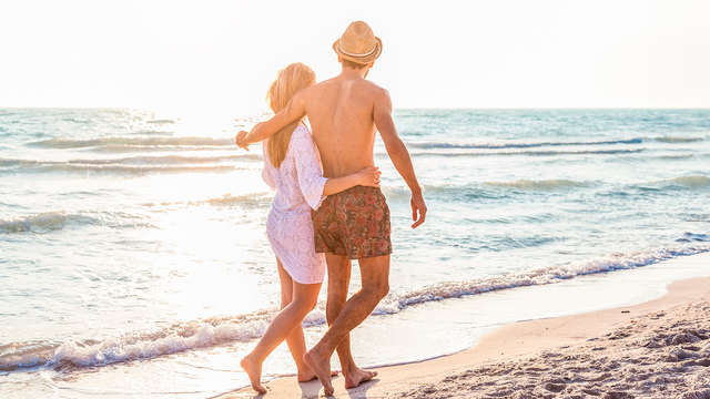 Romántica en la Playa: Escapada con cena en hotel con vistas al mar