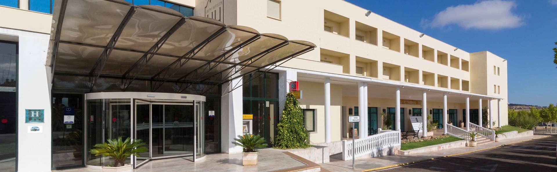 Hotel Heredero - Edit_Front.jpg
