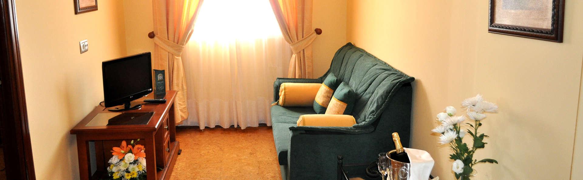 Hotel Heredero - Edit_Lounge.jpg