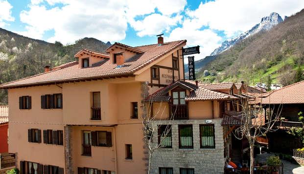 Escapada rural con Visita a la ganadería del hotel en los Picos de Europa