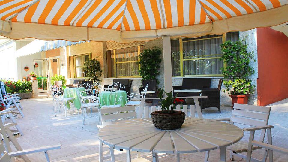 Park Hotel - EDIT_terrace3.jpg
