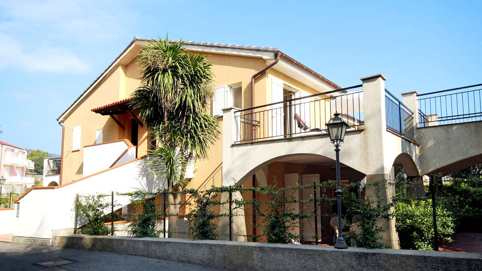 Residence La Meridiana - Edit_Front.jpg