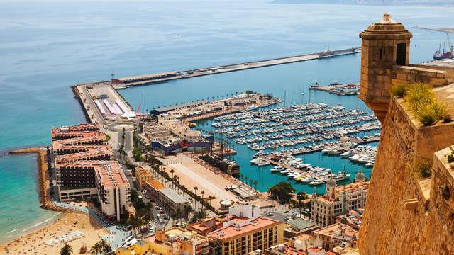 Oubliez tout a Alicante, et profitez d'un séjour en pension complète dans un hotel 4 étoiles