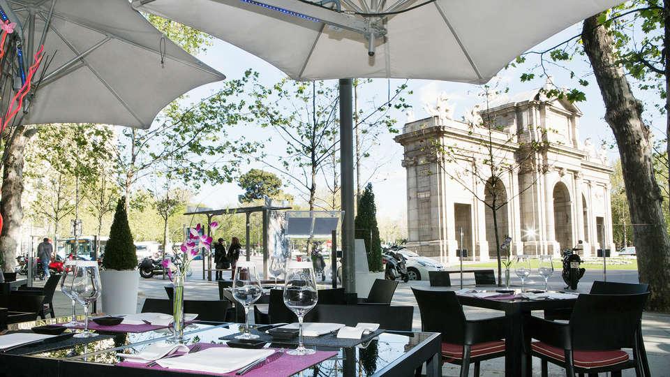 Hospes Puerta Alcalá - EDIT_restauranterrace.jpg