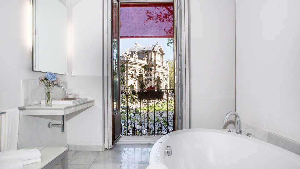 Hotel Hospes Puerta Alcalá - EDIT_bath1.jpg
