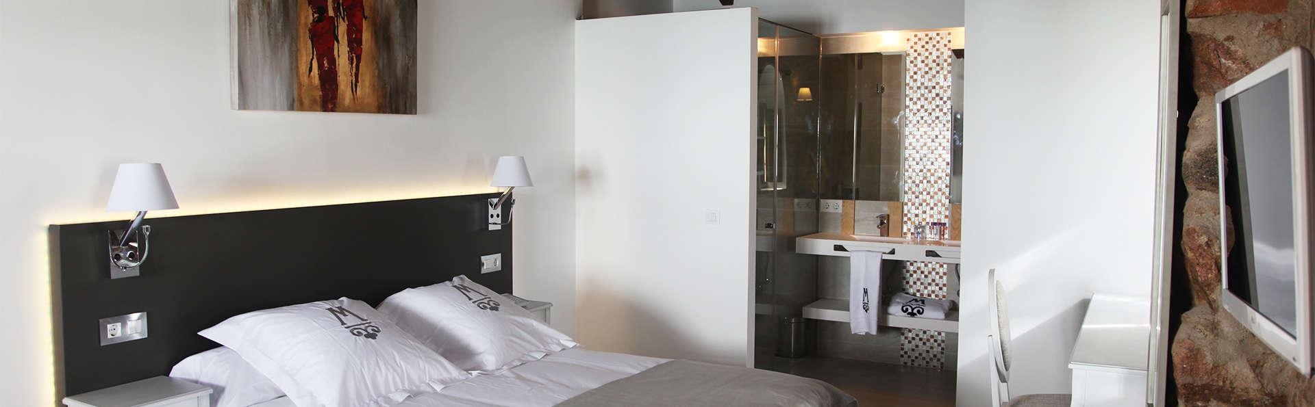 Hotel La Casa del Médico - EDIT_room2.jpg