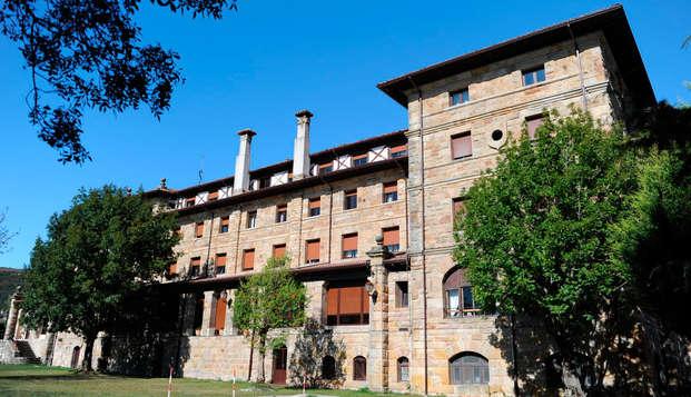 Escapada con media pensión en un hotel balneario junto al embalse del Ebro con acceso al spa