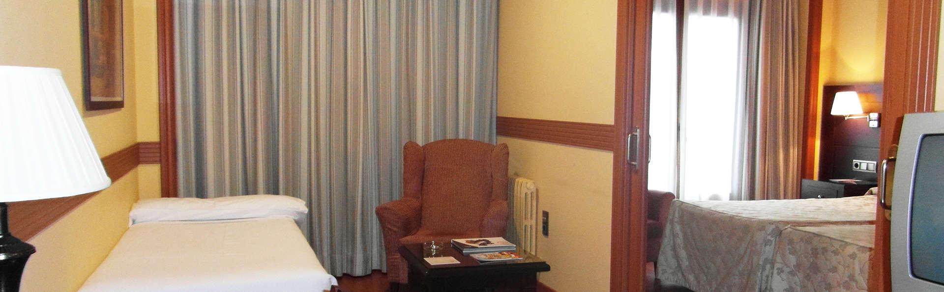 Hotel II Castillas Ávila - EDIT_room1.jpg