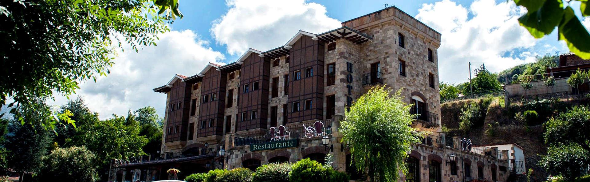 Hotel Infantado - Edit_Front.jpg