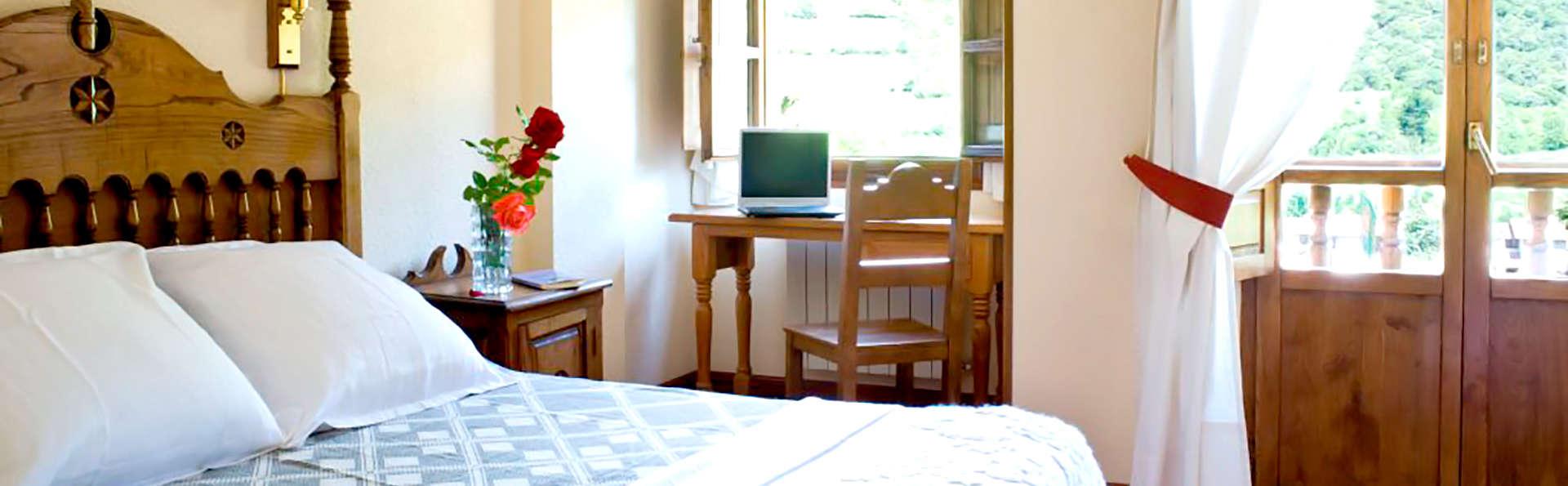 Hotel Infantado - Edit_room.jpg