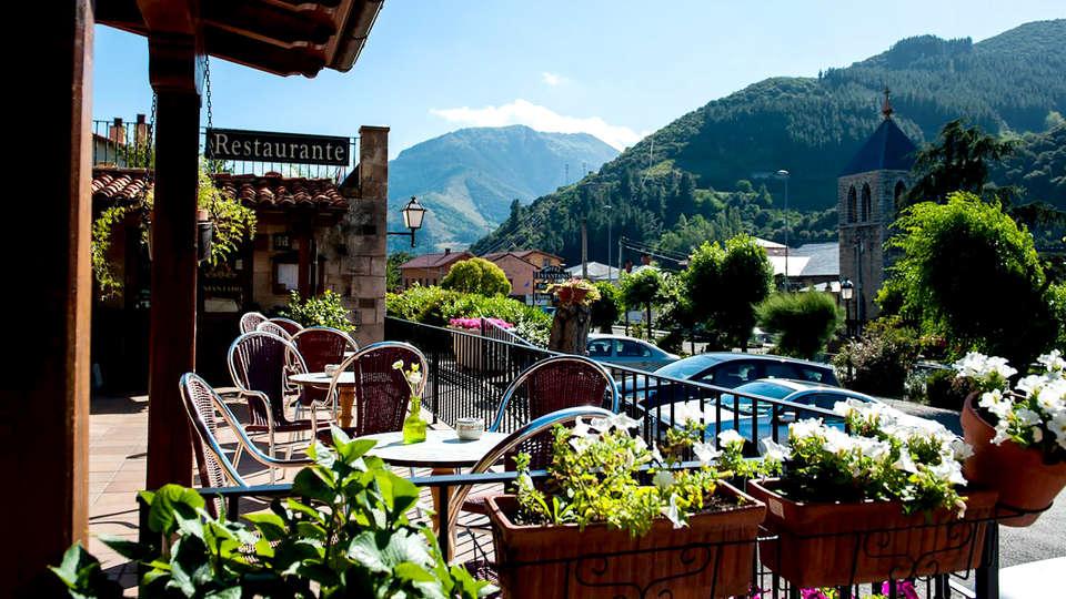 Hotel Infantado - Edit_terrace2.jpg