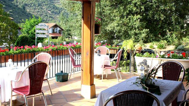 Escapada con encanto en Los Picos de Europa con Visita a Bodega y Cena