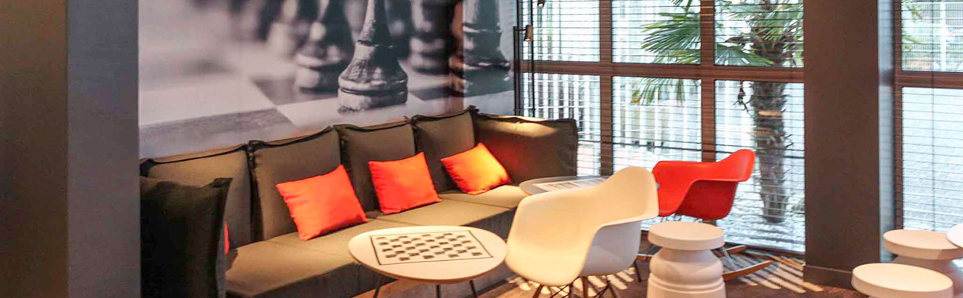 Hotel Ibis Bordeaux Sud Pessac - Edit_Lounge.jpg