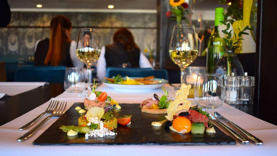 Van der Valk Hotel Arnhem - EDIT_NEW_dinner.jpg